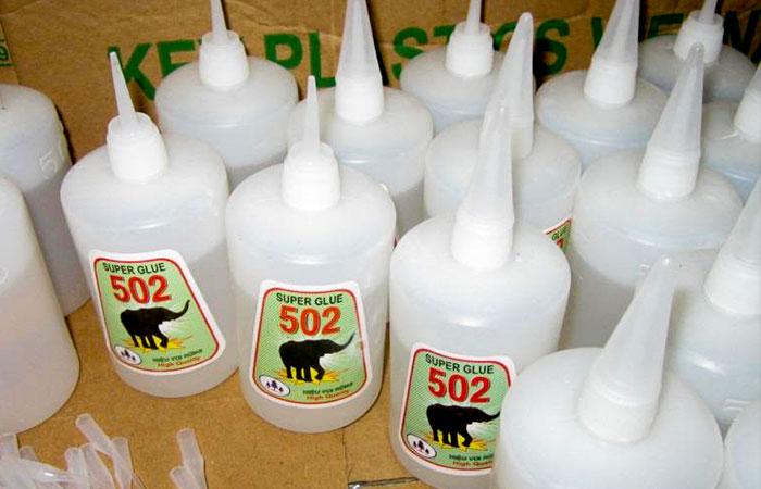 Keo 502 là loại keo dán bạt phổ biến nhất