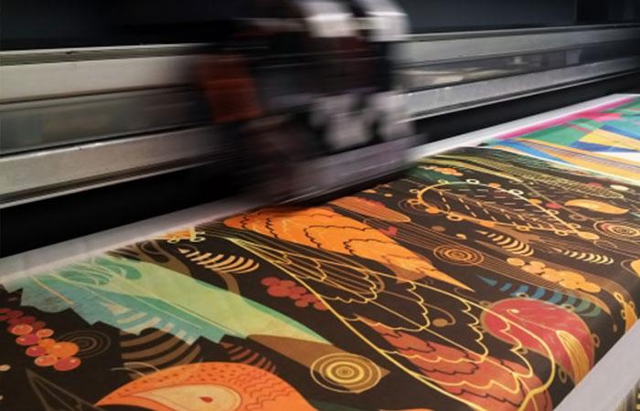 Giá in vải silk giữa các cơ sở không chênh lệch nhiều, chủ yếu phụ thuộc vào