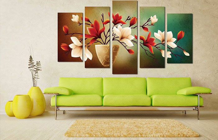 Mẫu tranh canvas treo tường phòng khách sẽ giúp không gian phòng trở nên thú vị hơn