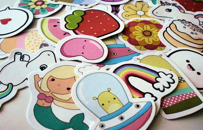 Các loại sticker dán trang trí