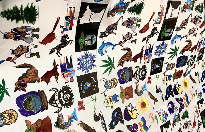In sticker mẫu bế theo từng hình